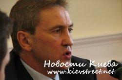 Мер Киева разрешил вешать рекламу где попало
