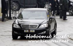 Кортеж президента Януковича и киевские пробки