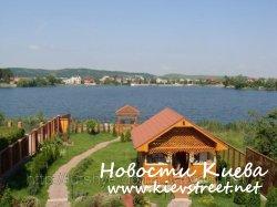 Голубое озеро под Киевом продолжают застраивать