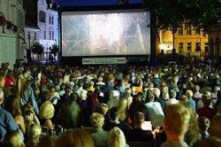 В Киеве открывается кинотеатр под открытым небом