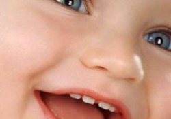 Режутся зубки? Помогаем малышу справиться с болью