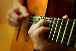Полезные советы: как научиться играть на гитаре