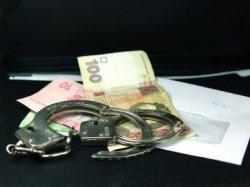 Чиновника КГГА поймали на взятке