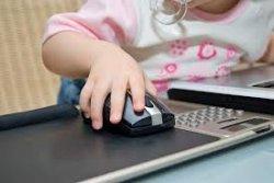 Столичная власть для школ приобрела 300 ноутбуков