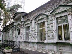 В Киеве опять снесли историческое здание