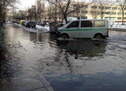 На Лесном массиве затопило дорогу