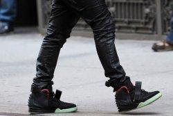 Музыкант Kanye West представил свою новую линию обуви  под названием Nike Air Yeezy 2