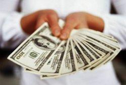 В Украине можно купить не более 200 долларов в день