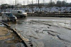 Дороги столицы приводят в порядок после зимы