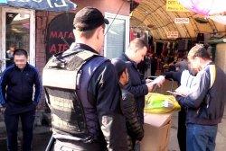 На Троещинском рынке провели спецоперацию «Мигрант»