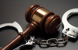 Зачем нужен адвокат по уголовным делам?