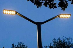 Установка LED-фонарей в Киеве продолжается