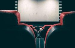 В июле, вероятно, заработают театры и кинотеатры
